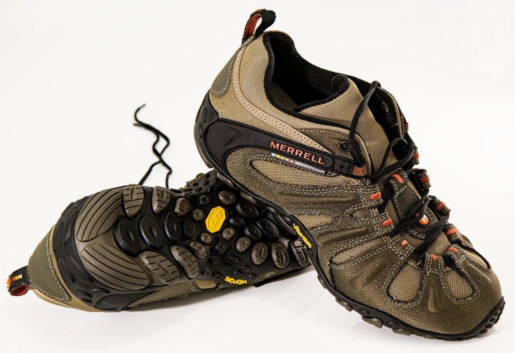 shoes-584850_1920